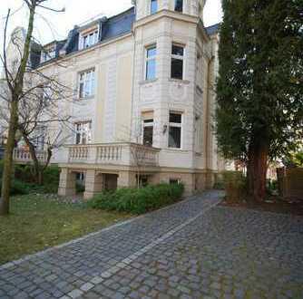 Herrschaftliche Villa zur gewerblichen Nutzung in Bestlage von Wiesbaden