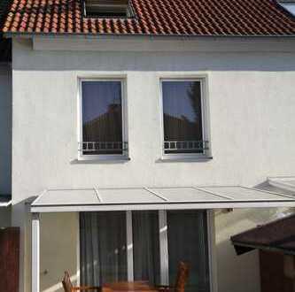 sonniges Wohnhaus in Frankfurt Sindlingen