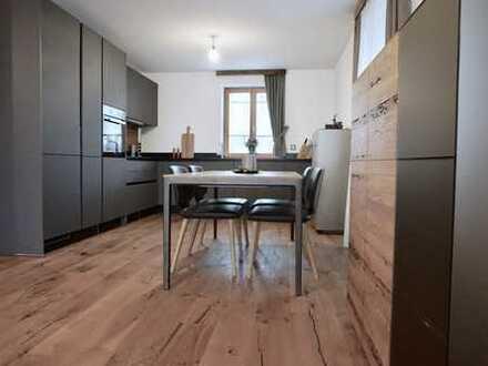 Exklusive 3-Zimmer-Wohnung mit Terrasse und EBK in Feldkirchen-Westerham