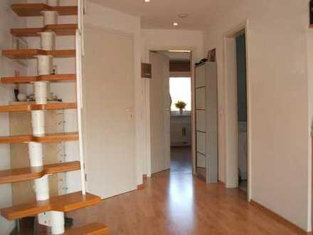 Hürth-Gleuel: Attraktive 2,5 Zimmer Maisonettewhg. + inkl. Küche + Pauschal € 595 + ideal f. Pendler