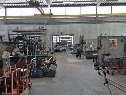 Großzügige Büro/ Produktionsfläche mit Kranbahnen im Westen von Augsburg zu verkaufen