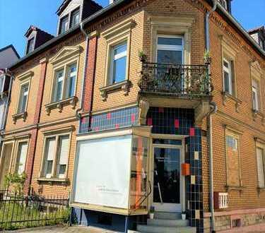 Hochwertige neu renovierte 4-Zimmerwohnung in bester Lage
