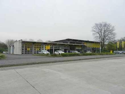 Freistehend! Gewerbeeinheit mit ca.46 Parkplätzen - Ideal als Autohaus, Werkstatt etc.