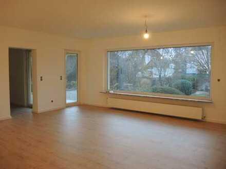 Erstbezug nach Sanierung: schöne 4-Zimmer-EG-Wohnung 120qm mit riesigem Garten