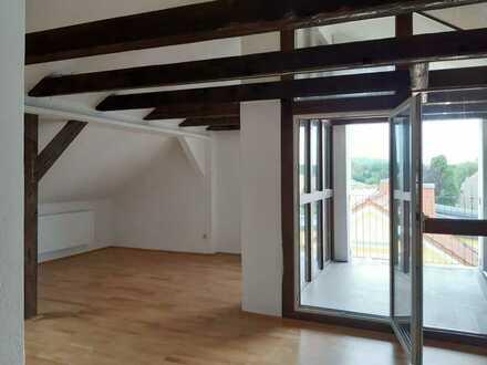 4-Zimmer Dachgeschoss-Wohnung in ruhiger Lage