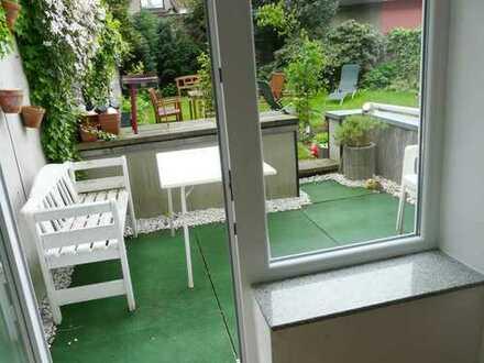 Modernisierte 2-Zimmer-Terrassenwohnung mit EBK