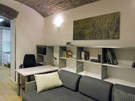 Individuelles Souterrain-Apartment mit Terrasse, denkmalgeschützes MfH