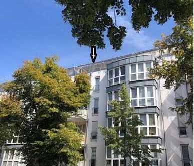 Helle und geräumige Wohnung im DG in Leipzig Großzschocher, 2 Balkone, Wannenbad, TG-Stellplatz
