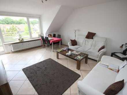 Gut geschnittene 3-Zimmer-DG-Wohnung mit großem Süd-Balkon und Einzelgarage