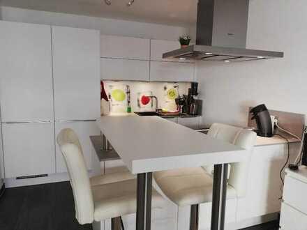 Exklusive, neuwertige 2-Zimmer-EG-Wohnung mit Terrasse und Einbauküche in Sindelfingen