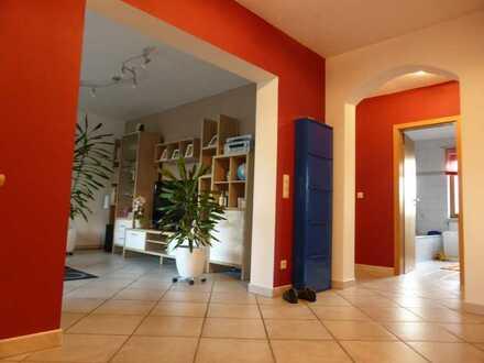 Gepflegte 4-Raum-Erdgeschosswohnung mit Terrasse und Einbauküche in Alfdorf