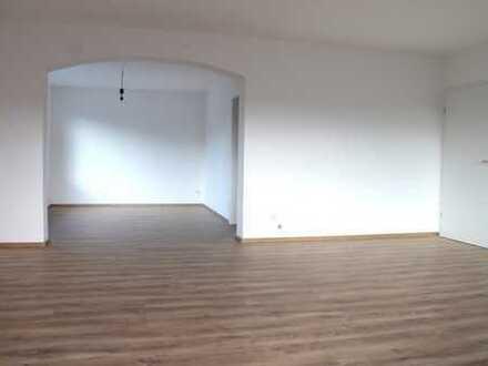 Gepflegte 5-Zimmer-Wohnung mit Balkon in Bensheim