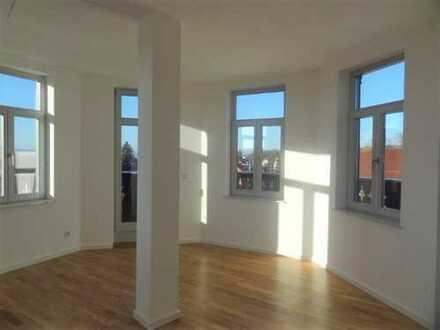 ~ Hochwertige Wohnung in liebevoll sanierter Altbauvilla mit viel Aussicht und Individualität ~