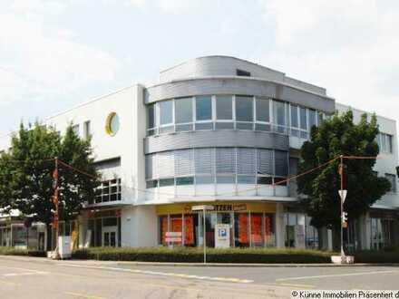 großzügiges Ladengeschäft im Chemnitz-Center- Ecklage an großer Kreuzung