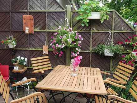 Wunderschönes helles Zimmer in Haus mit Garten an berufstätige Frau zu vermieten