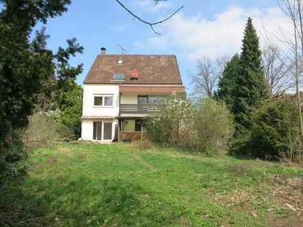 Zweifamilienhaus (3 WE) in Heroldsberg. Großes Grundstück (1032 qm).