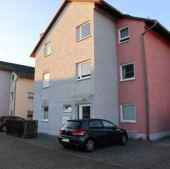 Gepflegte 3-Zimmer-Wohnung mit Balkon und EBK in Lorsch