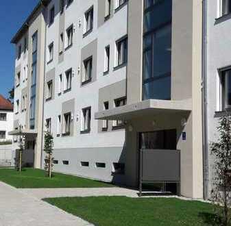Neuwertige 3 Zi.-Wohnung mit EBK, Terrasse und Garten