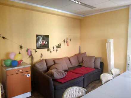 Mitbewohner gesucht! Liebevolles Zuhause für 8 Menschen mit Behinderung bietet Zimmer in ruhiger und
