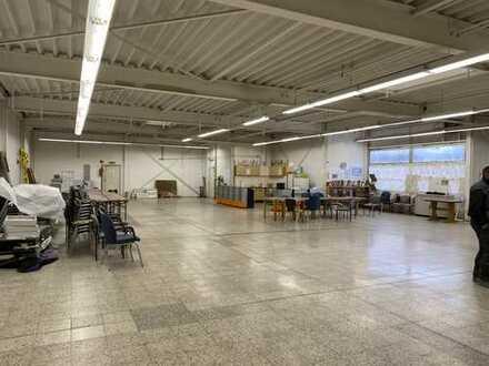 Lager/Büro/Verkaufsflächen mit ca. 570 m² zu vermieten