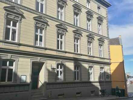 5 Raum Wohnung mit EBK in der Altstadt, WG geeignet