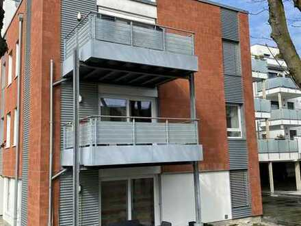 TOP-Ruhiglage in Hangelar: Moderne, seniorengerechte Eigentumswohnung mit Sonnenbalkon und TG-Platz