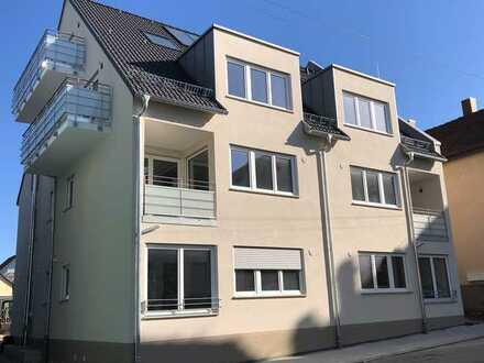 Helle 2 Zimmerwohnung mit Balkon und EBK - Neubau