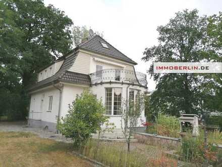 IMMOBERLIN.DE - Hübsches historisches Landhaus auf teilbarem Grundstück – Gartengenuss in Toplage