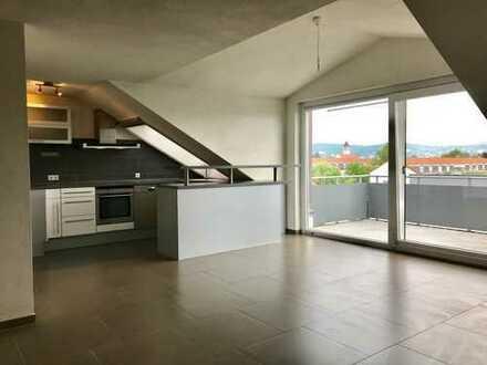 Über den Dächern von Sindelfingen - moderne Citywohnung mit individuellem Flair!