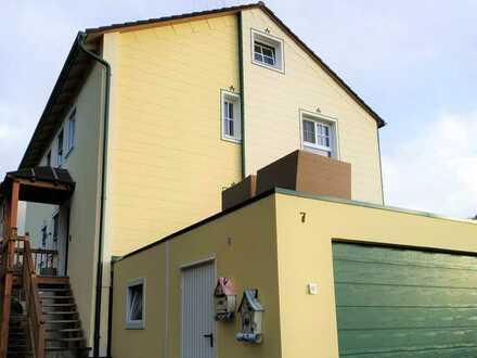 Ländlich gelegene 3,5-Zimmer-Wohnung mit Balkon in Mittelstetten