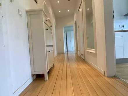 Sehr schöne modernisierte 3-Raum-Wohnung mit überdachten Balkon und Einbauküche in Mannheim