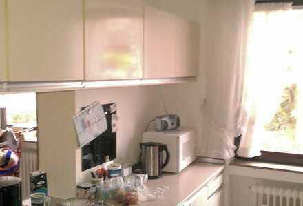 Schöne, geräumige drei Zimmer Wohnung in Heidelberg, Wieblingen
