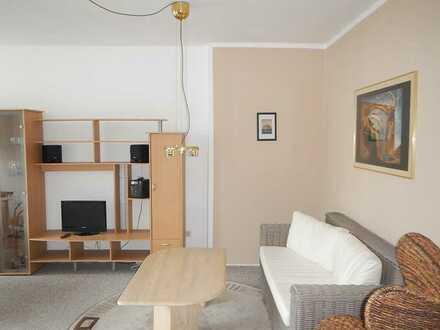Stilvolle, sanierte 1,5-Zimmer-Wohnung mit Balkon und Einbauküche in Berlin - Rudow