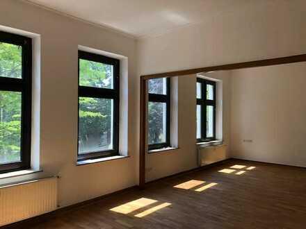 Attraktive 4-Zimmer-Wohnung mit überdachtem Balkon in Mülheim an der Ruhr