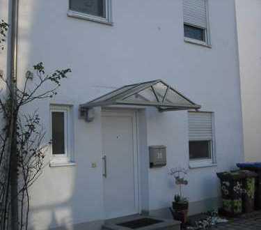 Alternative zur Wohnung...DHH mit kleinem Garten ideal für Münchenpendler