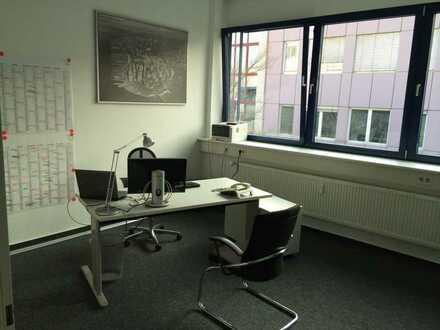 2 moderne Büros zur Untermiete in verkehrsgünstiger Lage