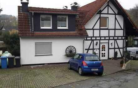 Neuwertige 1-Zimmer-DG-Wohnung mit EBK in Medebach