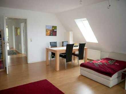 Emmendingen: Schöne Dachgeschoss-Wohnung mit TG-Stellplatz