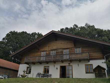 Traumhafte 5-Zimmer Wohnung mit Garten in Alleinlage nähe Pfarrkirchen