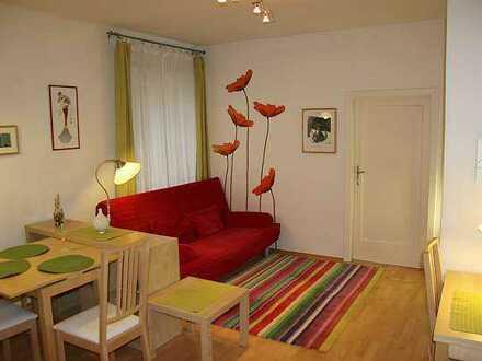 Modernisierte Wohnung mit zwei Zimmern sowie Balkon und EBK in Mindelheim