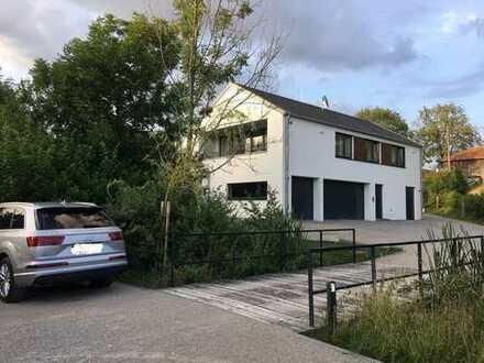 Lichtdurchflutete Wohnung im Herzen Taufkirchens