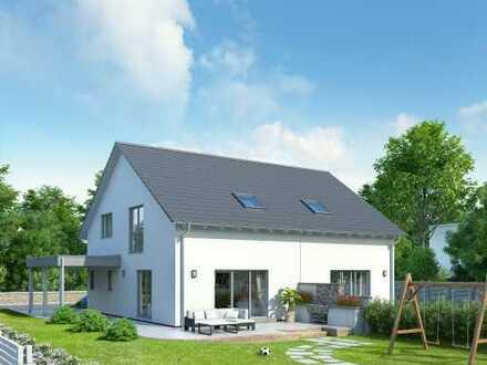 sonniges Grundstück mit einem neuen Schwabenhaus