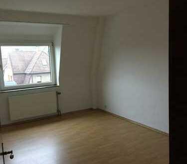Bochum: Großzügige 4-Zimmer Wohnung zu vermieten!