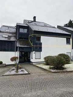 Sehr gut aufgeteilte ETW mit über 94 Quadratmeter Wohnfläche im 1. OG