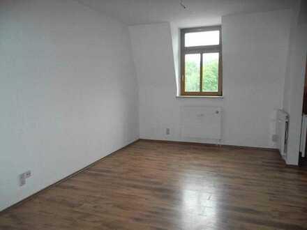 Schöne 1-Raum-Dachgeschosswohnung in der Unterstadt von Glauchau