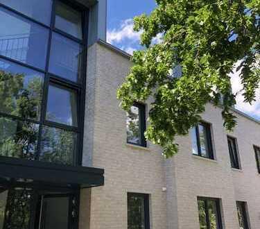 Neubau/Erstbezug Moderne 3-Zimmer-Wohnung mit großem Südbalkon mit PKW-Stellplatz