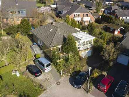 Einfamilienhaus mit Tiefgarage und großzügigem Wintergarten in Bredenbek