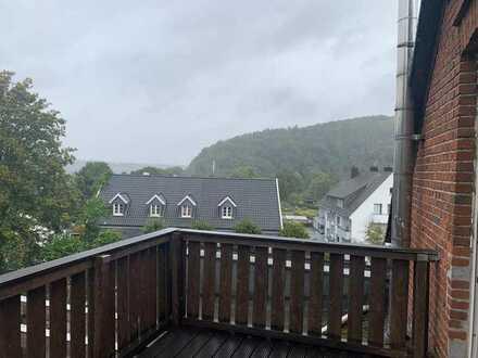 Gepflegte 4-Zimmer-Dachgeschosswohnung mit Balkon in Gevelsberg