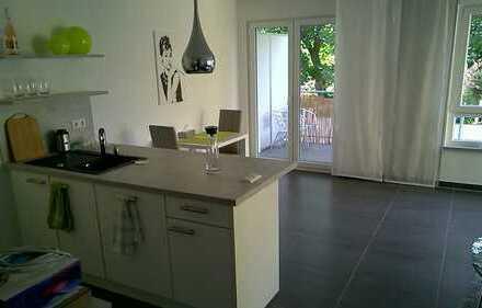 Stilvolle, neuwertige möblierte 2-Zimmer-Wohnung mit Balkon und EBK in Crailsheim