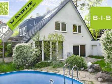 Großzügiges Einfamilienhaus mit schönem Grundstück in Waldrandlage